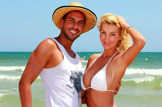 Dominika Mesarošová s kamarádem, kadeřníkem Tomášem Arsovem