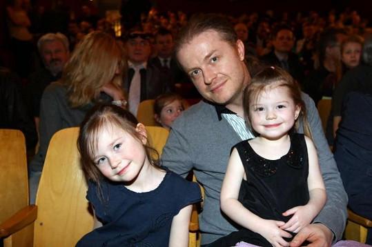 Fanoušky jediného kouzelnického divadla u nás jsou děti Pavla Šporcla.