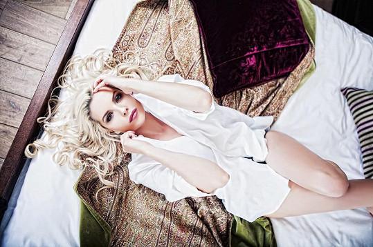 Kateřina Kristelová je sexy, ale single.