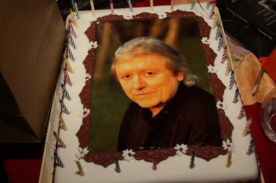 Tenhle dort udělal oslavenci radost.
