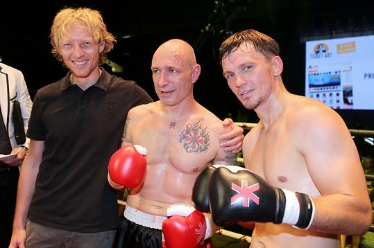 Daniel Landa se svým finským soupeřem a miliardářem Karlem Janečkem