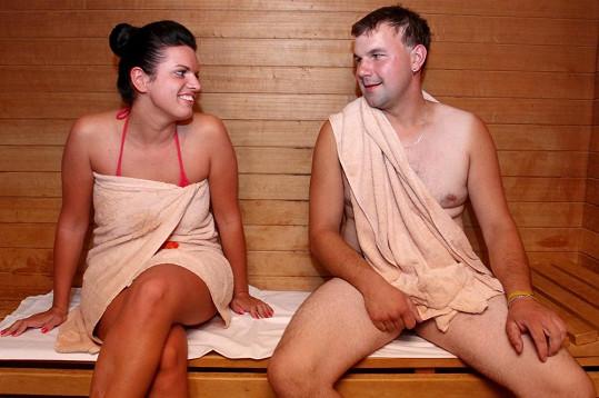 Petr se odhalil v sauně.