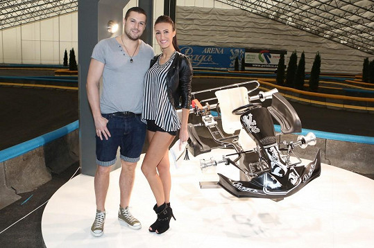 Taťána Makarenko chodí dva roky s hokejistou Zdeňkem Bahenským.