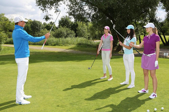 Děvčat se ujal golfový profesionál Lukáš Lizánek.