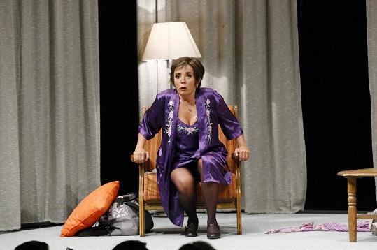 Bára Hrzánová v nové divadelní hře