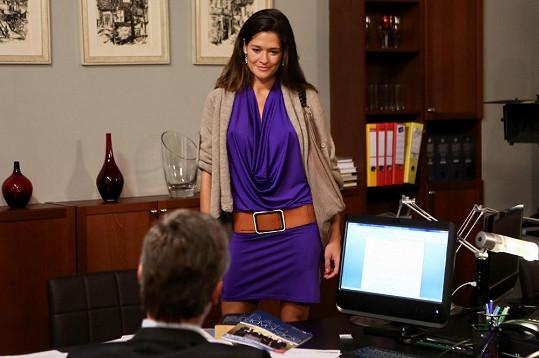 Petra Faltýnová si v seriálu Cesty domů zahraje proradnou mrchu.
