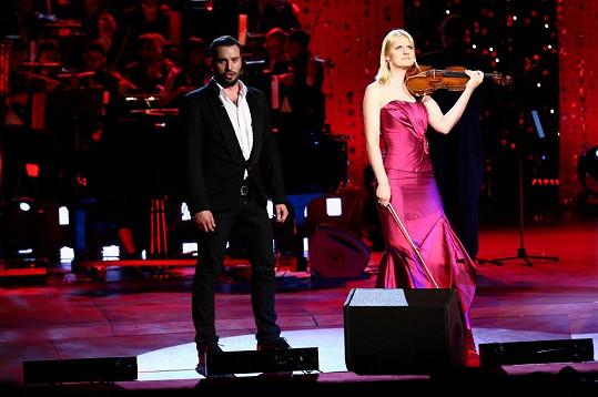 Vaška u zpěvu doprovázela i houslistka Gabriela Demeterová.