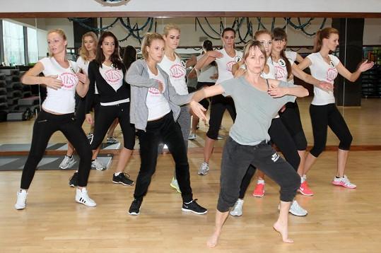 Některé z dívek mají přirozené pohybové nadání, některé bohužel nikoli, a tak musejí tréninku věnovat o to víc času.
