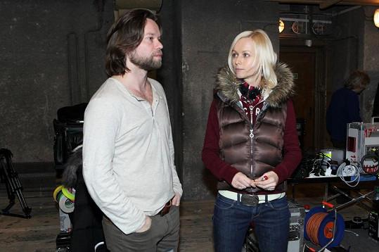 Krajčo s novou přítelkyní Karin na dotočné filmu Křídla Vánoc letos v březnu.