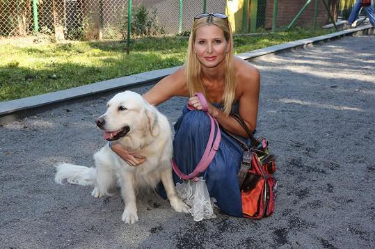 Ivana Gottová se na dovolené opálila.