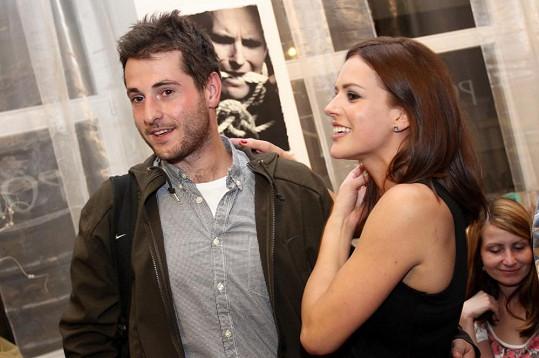 Vztah s asistentem režie Vyprávěj Jakubem Strangmüllerem je již minulostí.