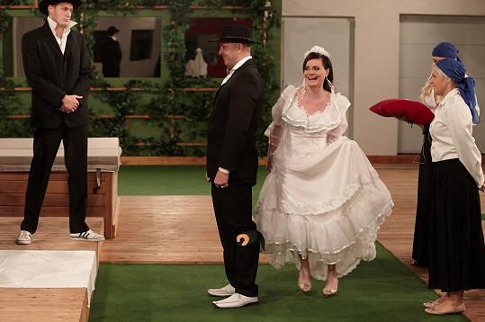 Zdenička si vyzkoušela svatbu s Thomasem.