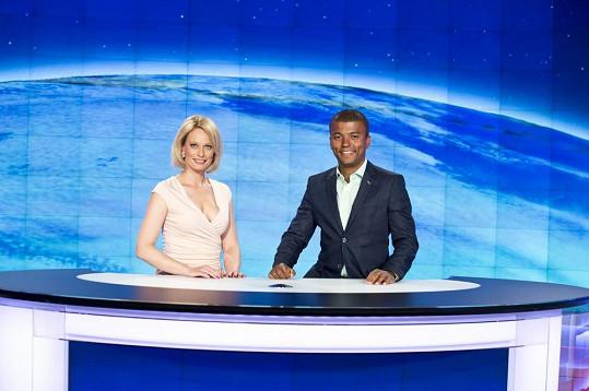 Kristina Kloubková a Rey Koranteng jsou novou moderátorskou dvojicí Televizních novin.