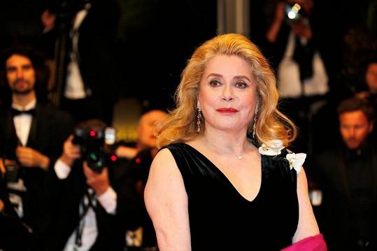 Francouzská herečka vypadá stále perfektně.