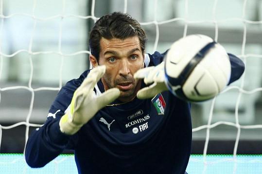 Gigi Buffon se rodinky nemůže dočkat.