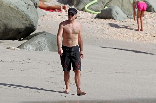 Rocker na plážích ostrova St. Barths.