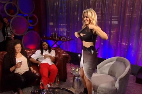 Moderátorka dostala od rappera Lil Jona nabídku, kterou bez mrknutí oka přijala.