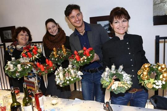 Zapojili se i Simona Poslerová, Klára Jandová či Lumír Olšovský.