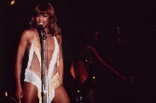 A ani Tina Turner se nenechala zahanbit.