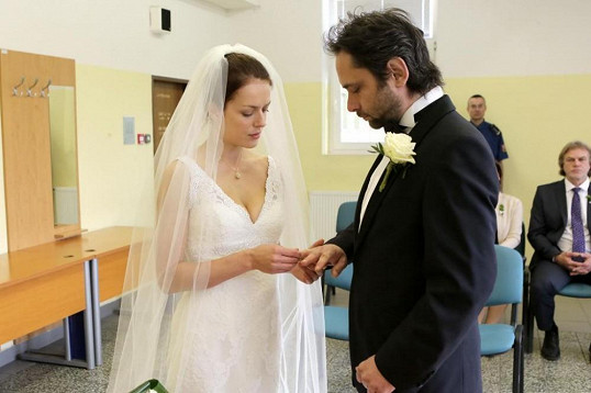 Sváťa se teď může starat o Eminu dceru Rozárku.