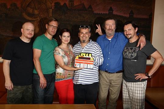 Norisová s kolegy z připravovaného filmu Hodinový manžel