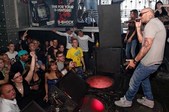Raper měl v pražském klubu Radost FX narváno.