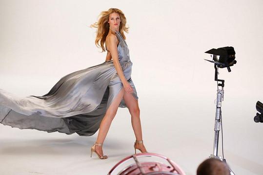 Modelka si natáčení pod taktovkou režiséra Romana Valenta užívala.