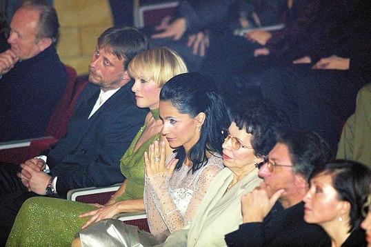 Na Slavíkovi seděly konkurentky Bílá a Bartošová často vedle sebe. Tady se psal rok 2001.