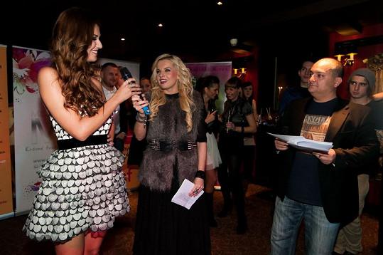 Na soutěži Miss Face Lucku zpovídali moderátoři Katka Kristelová a Patrik Hezucký.