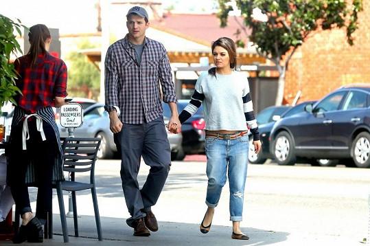 Ashton Kutcher s Milou Kunis