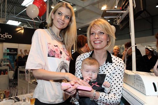 Kristina si na akci půjčovala dcerku Ivety Vítové.