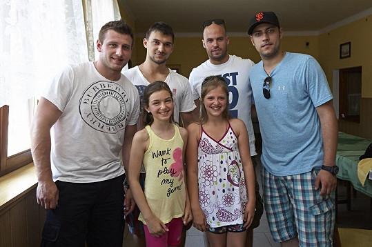 Při natáčení Babovřesek 2 se skamarádila i s hokejisty.