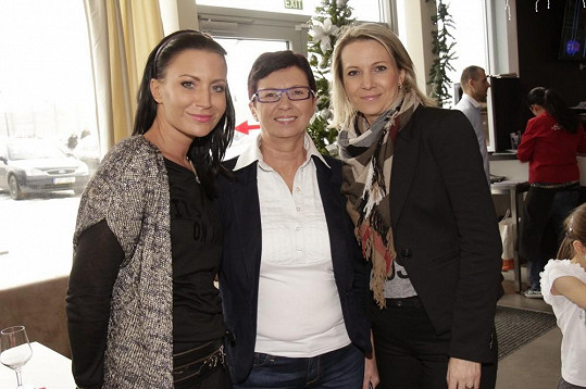 Gábina s maminkou a sestrou Monikou