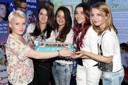 5Angels a jejich slavnostní dort