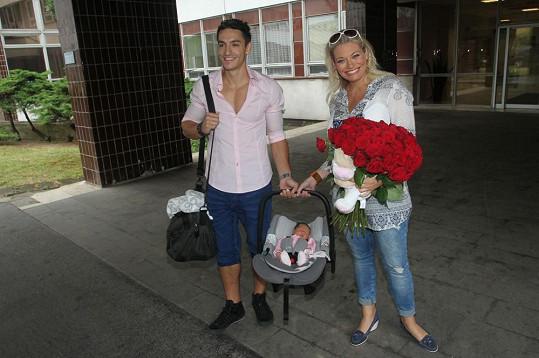 S kolegou Michalem Hrdličkou má tříměsíční dceru Lindu.