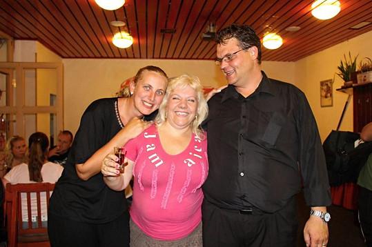 Marie s kamarádkou a majitelkou restaurace Pavlínou Pálkovou.