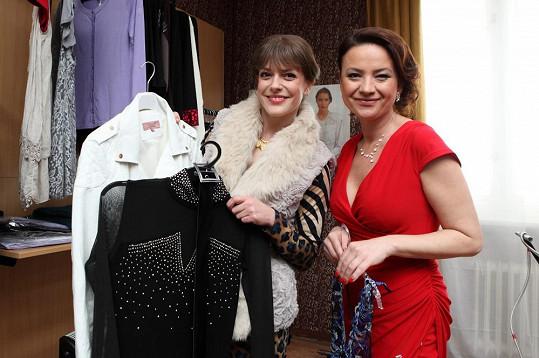 Andrea Kerestešová alias Eva Dvořáková si v seriálu Vyprávěj otevřela butik.