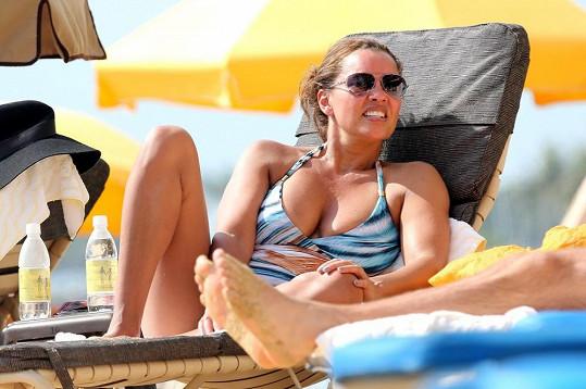 Vanessa Williams na padesát rozhodně nevypadá ani neupravená na pláži.