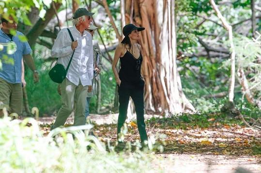 Angelina Jolie se vydala na Havaj společně s filmovým štábem.