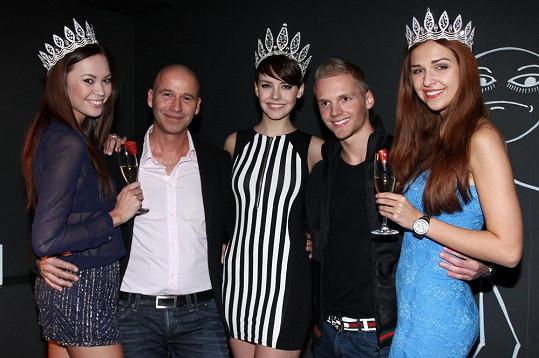 Musil a Patrik se fotí s Českými Miss.