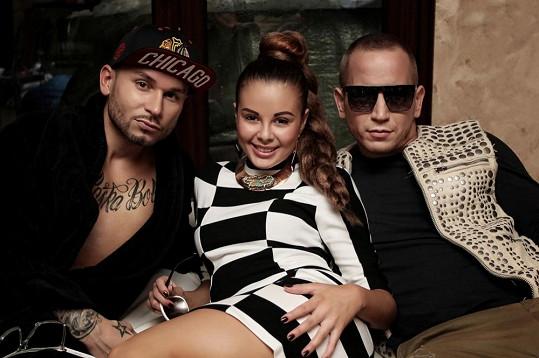Monika Bagárová, Johnny Perfekto, který ztvárnil hlavní mužskou postavu v klipu, a rapper Mišo Bielý.