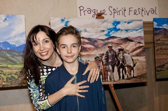 Nela Boudová s mladším synem Daliborem