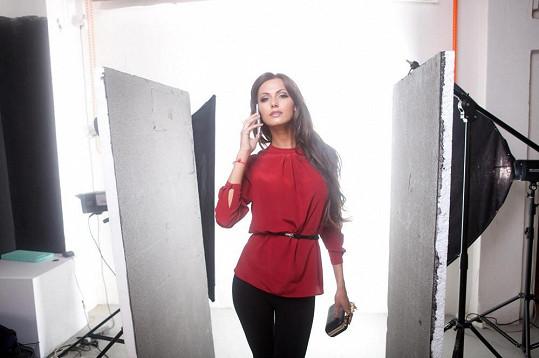 Eliška Bučková nedávno fotila kampaň s mobily.
