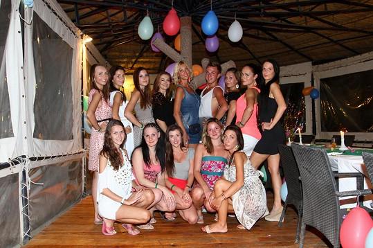Dívky, které v Hurghadě usilují o titul nové Dominičiny modelky.