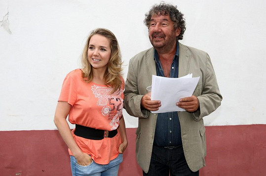 Zdeněk Troška s Lucií Vondráčkovou.
