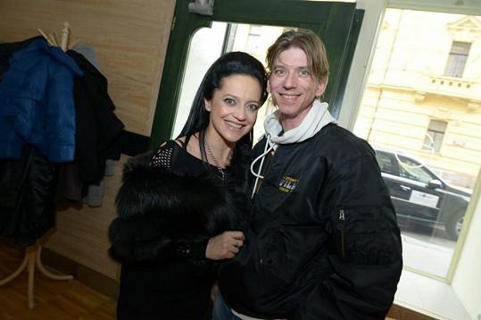 V kavárně svého přítele Petra Makovičky potkala i režiséra Jiřího Stracha.