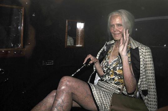 Heidi Klum se převlékla za stařenu.
