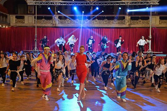Loni tancoval Ondřej po boku Simony Krainové a Leoše Mareše. Letos to bude Andrea Verešová a Roman Šebrle.