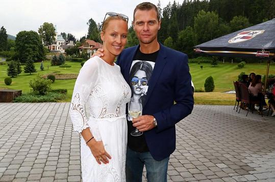 Zuza s manželem Vlastou Hájkem.