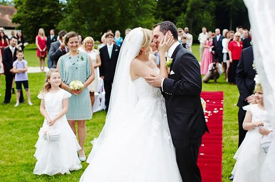 První polibek manželů Hejdových